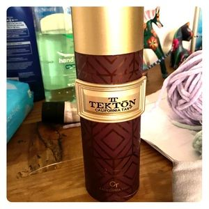 Tekton Tanning lotion used once